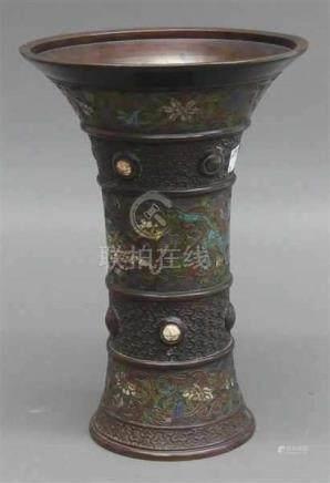 ChamplevevaseChina, 19. Jh., floraler und Steindekor, h 31 cm,