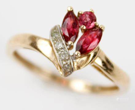 10K YELLOW GOLD RUBY RING WITH DIAMOND ACCENTS