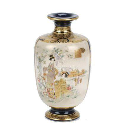 JAPANESE SATSUMA VASE, BEGINNING OF THE 20TH CENTURY