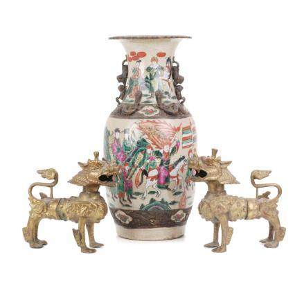 LOT COMPRISED OF CHINESE VASE AND TWO CHIMERAS, FIRST HALF