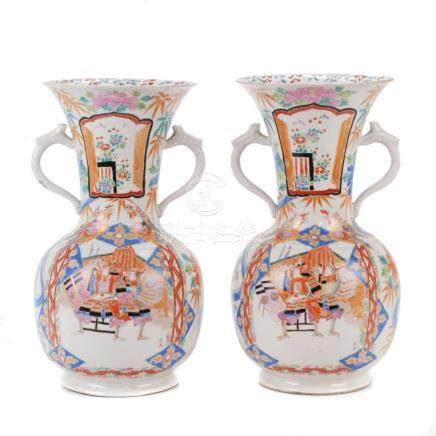 PAIR OF JAPANESE VASES, 20TH CENTURY