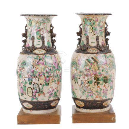 PAIR OF CHINESE VASES, END OF 20TH CENTURY