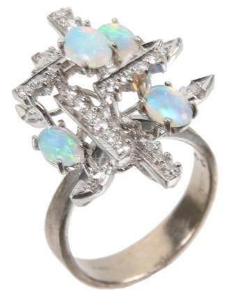 LADIES 18K WHITE GOLD DIAMOND & OPAL RING