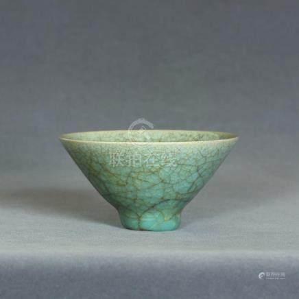 A Chinese LongQuan-Kiln Small Bowl Southern Song Dynasty.