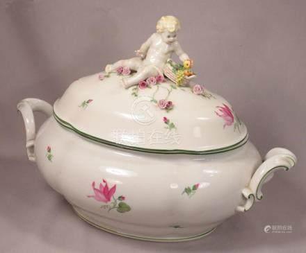 Large Beautiful Vienna Porcelain Putti Topped Soup Tureen