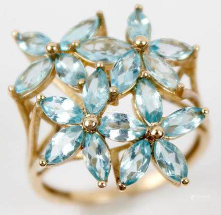 10K YELLOW GOLD AND BLUE TOPAZ FASHION RING