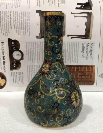 A Chinese Cloisonne Enameled Long Neck Bottled Vase