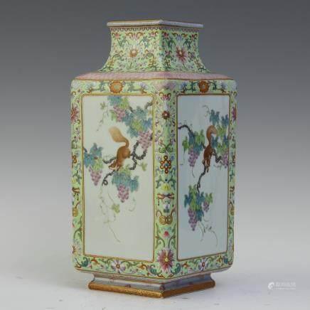 A Chinese Enamel Porcelain Square Vase