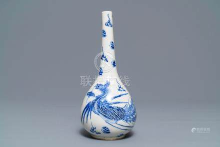 A Chinese blue and white 'Bleu de Hue' Vietnamese market vase, Nei Fu mark, 19th C.