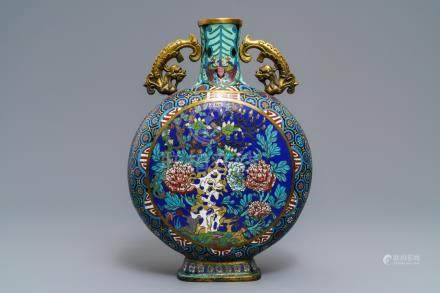 A Chinese cloisonné moonflask, Qianlong mark, 19/20th C.