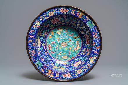 A large Canton enamel basin, 18/19th C.