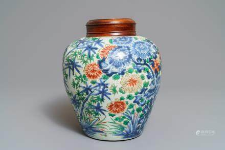 A Chinese wucai jar with floral design, Transitional period