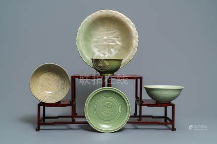 Two Chinese Longquan celadon dishes and three bowls, Song/Ming