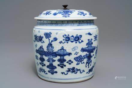 A Chinese blue and white bowl and cover with antiquities design, Kangxi