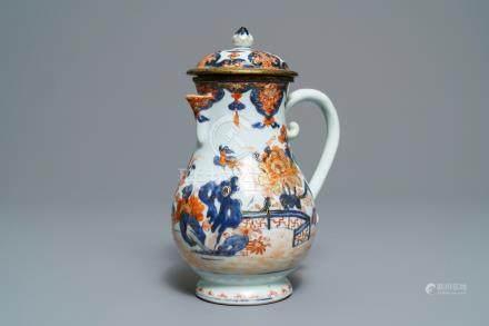 A Chinese Imari-style jug and cover, Kangxi/Qianlong