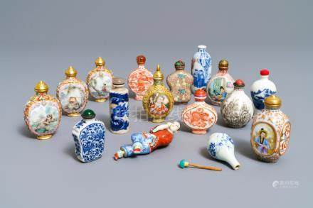 Sixteen various Chinese porcelain snuff bottles, 19/20th C.