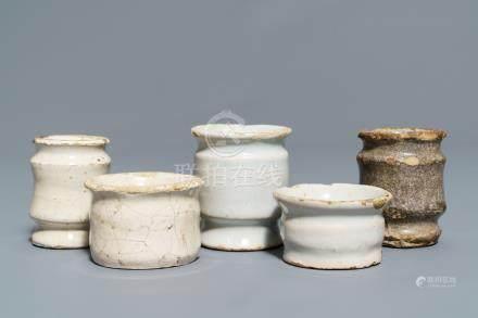 Five white Dutch Delft albarello-shaped ointment jars, 17th C.