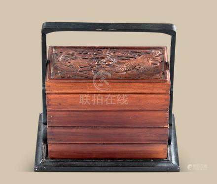 木雕龙凤呈祥纹四层提梁盖盒