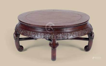 清代(1644-1911) 红木二龙戏珠纹五足圆桌