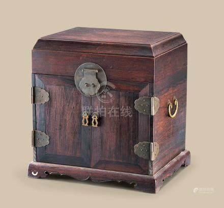 清代(1644-1911) 红木官皮箱