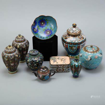 Grp: 9 Japanese Meiji Cloisonne vases boxes