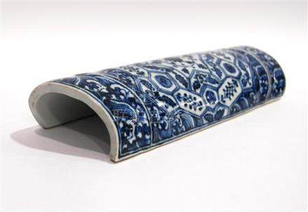 A Underglaze Blue Arm Rest, Painted with lotus & Sea wave Pa