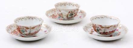 3 Antique Chinese porcelain 'Chine de commande' bowls with m