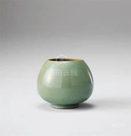 青瓷雞心罐