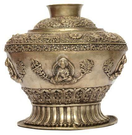 白銅釋迦牟尼佛蓋罐