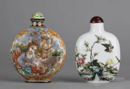 2 Chinese snuff bottles, possibly 19th c.
