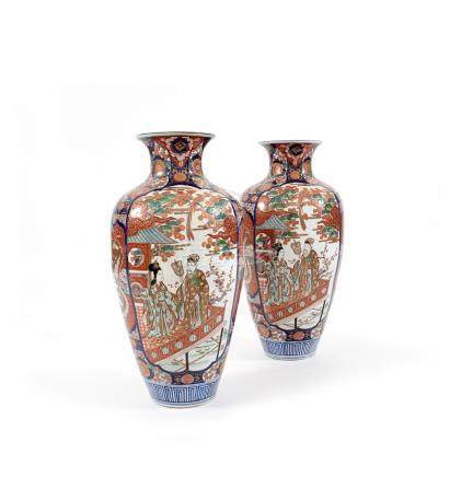 A pair of Japanese 19th/20th century Imari polychrome and gi