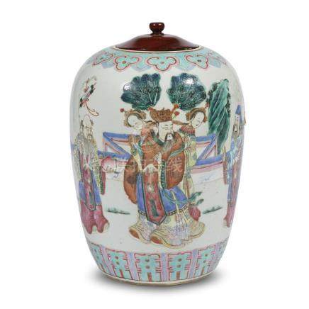 A Chinese famille rose-decorated porcelain jar, 19th/20th ce