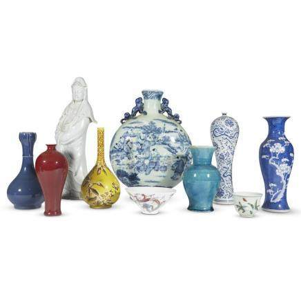 A collection of ten porcelain items,