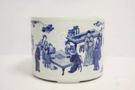 18th/19th c. blue and white porcelain brush holder