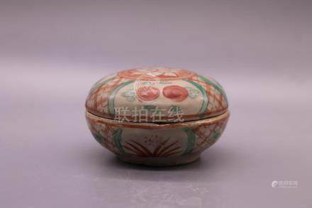 Chinese Red-Green Glazed Porcelain Box