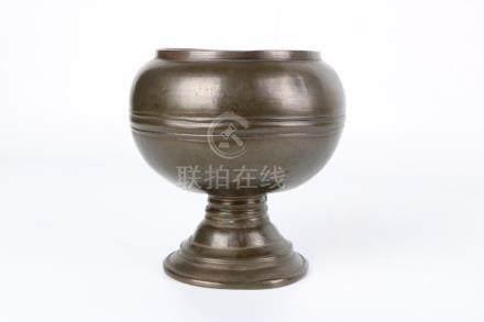 Chinese 13th c bronze oil lamp