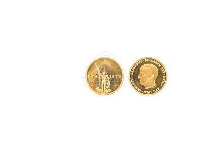 BELGIQUE, Baudouin, lot de 2 médailles en or:1976, 25e anniversaire de début d