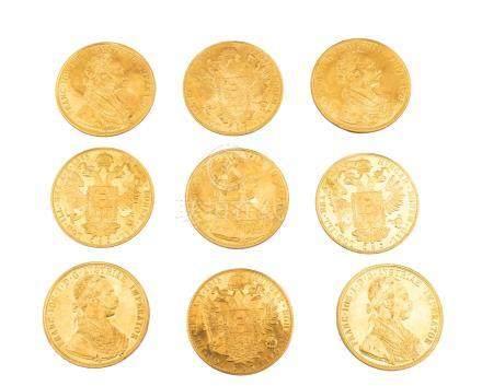 AUTRICHE, François-Joseph, lot de 9 pièces : 4 ducats 1915 (refrappes).