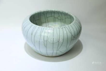 A Chinese Ge-Type Porcelain Brush Pot
