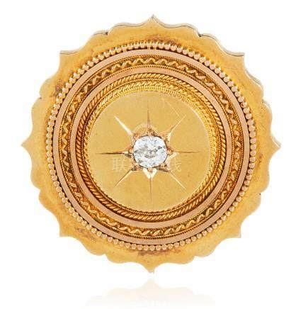 AN ANTIQUE DIAMOND MOURNING BROOCH in high carat yellow gold, the scalloped circular body set at the