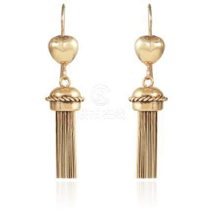 A PAIR OF ANTIQUE TASSEL DROP EARRINGS, 19TH CENTURY in yellow gold, each designed with a heart