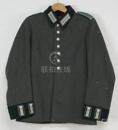 Waffenrock für Meister der Gendarmerie