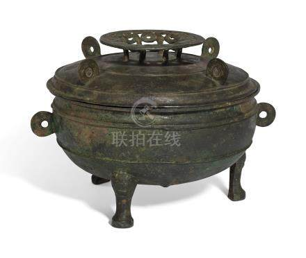 A BRONZE RITUAL TRIPOD FOOD VESSEL AND COVER, DING
