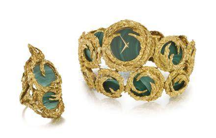 PIAGET. A VERY RARE AND UNUSUAL 18K GOLD AND MALACHITE BRACELET WATCH WITH MATCHING RING