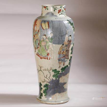 A colorful bottle of Chinese Qing Dynasty