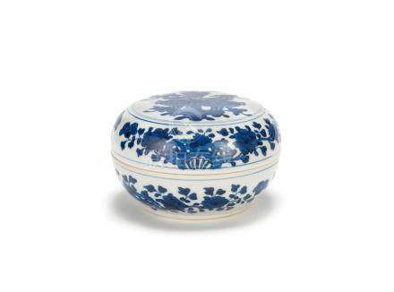 A blue and white 'Precious Objects' circular box and cover Kangxi (2)
