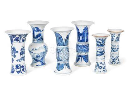A group of six blue and white vases Kangxi (6)