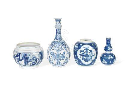 A group of four blue and white wares Kangxi (4)