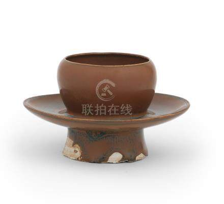 A rare ding-type brown-glazed cupstand Song Dynasty (2)