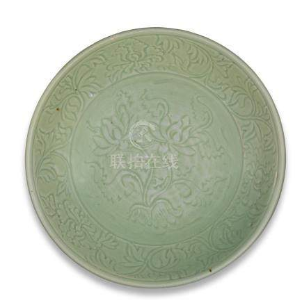 A large Longquan celadon-glazed dish 14th century